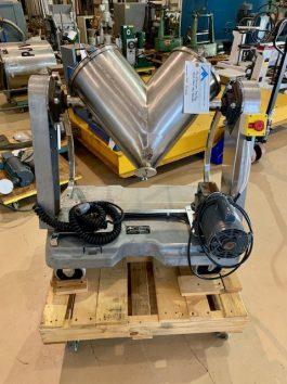 Patterson-Kelley 16 qt S.S. Twin Shell (Vee) Blender (AA-8028)
