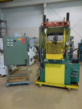 Clifton Model 31 30 Ton hydraulic press (AA-5708)