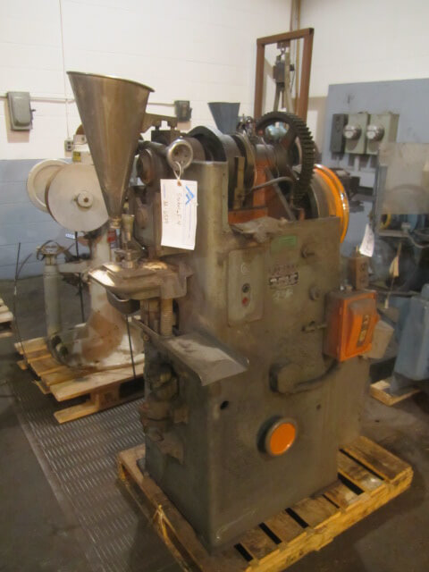 Stokes Model F-4, 4 ton Powder Compacting Tablet Press (AA-6539)
