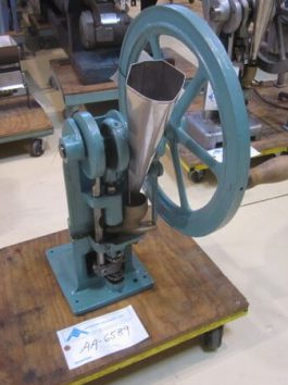 Stokes Model 511 Eureka Table Top Tablet press (AA-6589)