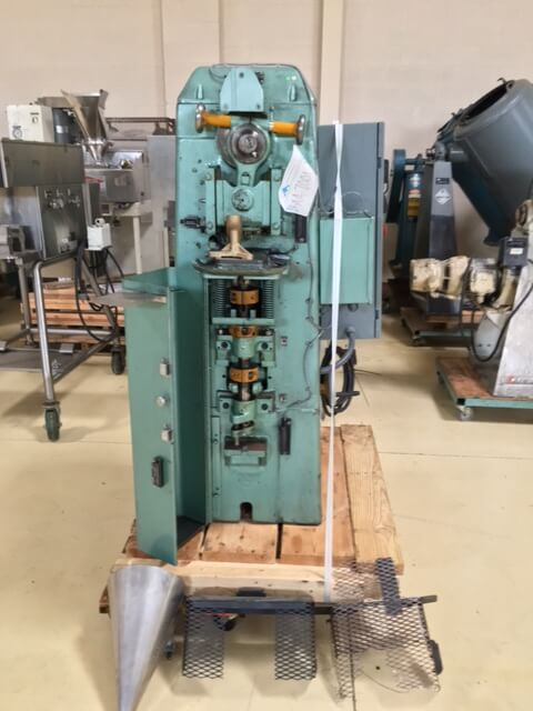 Stokes Model F-4 4 ton Powder Compacting Tablet Press (AA-7001)