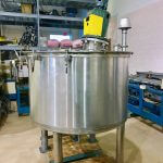 Vertical 250 Gallon Agitated Stainless Steel Process Tank (AA-7023)