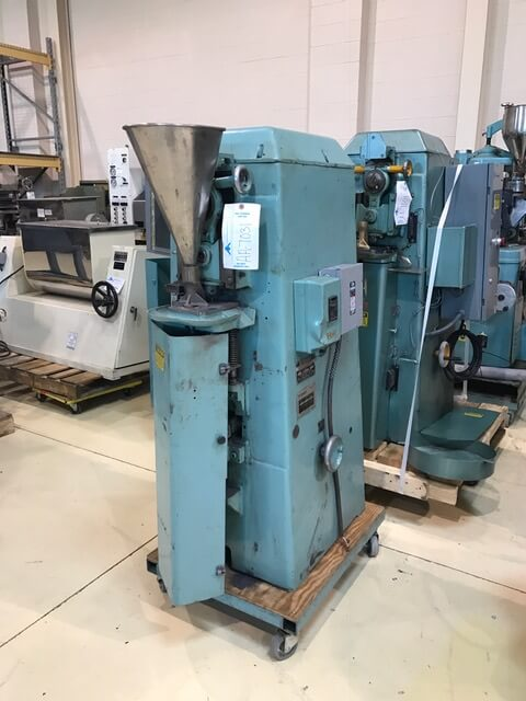 Stokes Model F-4, 4 ton Powder Compacting Tablet Press (AA-7031)