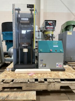 Carver Model 3888.1DT0A00 15 Ton capacity, Lab Platen Press with Pump (AA-8085)