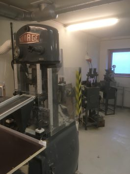 Komage  K-15 Powder Compacting Press (AA-7086)